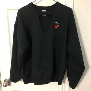 Crewneck v-cutout sweatshirt L